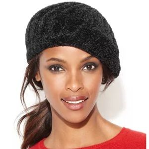 Donna Karan black chenille beret